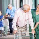 Trouver et afficher un emploi auprès des aînés grâce à Emploi en résidence