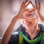 Covid-19 : les personnes âgées plus heureuses que les jeunes adultes pendant la pandémie
