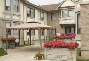 Vivre en résidence, Les Loggias et Villa Val-des-Arbres , résidences pour personnes âgées, résidences pour retraité, résidence