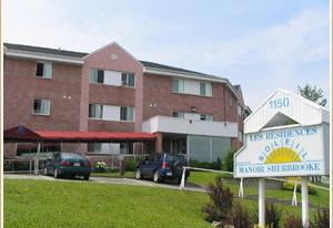 Vivre en résidence, Manoir Sherbrooke, résidences pour personnes âgées, résidences pour retraité, résidence