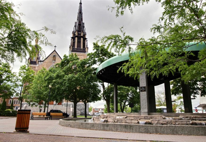 Le parc St-Frédéric et l'église
