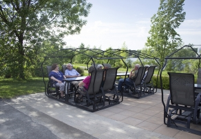 Vivre en résidence, Manoir Granby, résidences pour personnes âgées, résidences pour retraité, résidence
